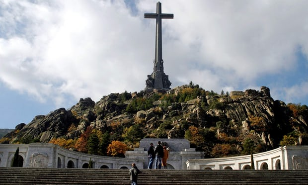 Spain to exhume Franco's remains and turn site into place of 'reconciliation'