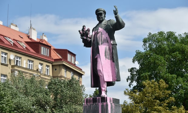 Statue need to inform authentic tale of Soviet 'hero', say Czechs